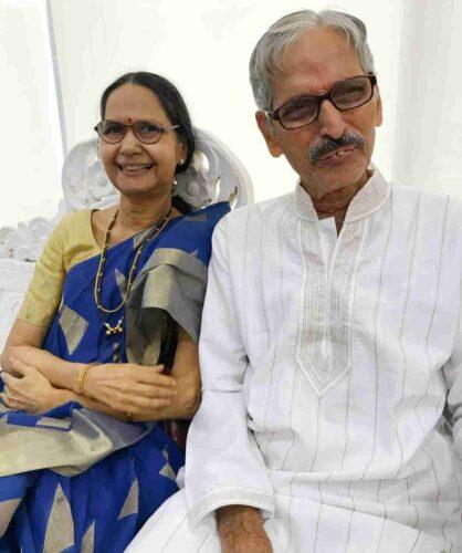 Family Father Name: Sharad Bapat Mother Name: Smita Bapat Sister Name: Shweta Bapat Brother Name: Not Know Husband Name: Umesh Kamat Son: N.A Daughter: N.A Affair: Umesh Kamat