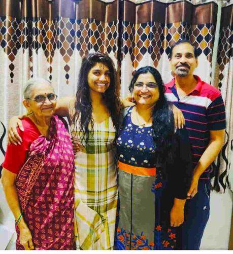 Father Name: Sunil Dhabadgavkar Mother Name: Manisha Dhabadgavkar Sister Name: N.A Brother Name: Yash Dhabadgavkar Husband Name: N.A Son: N.A Daughter: N.A Affair: N.A