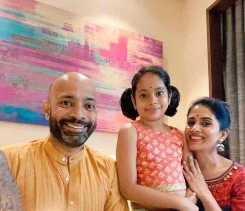 Sonali Kulkarni Family Photo