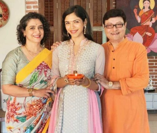 Sachin Pilgaonkar Wife and daughter