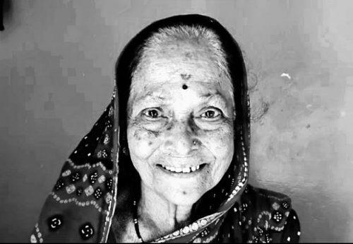 Dadu Indurikar's Wife's name is Sonabai Dadu Sarode